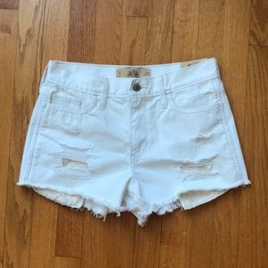 Hollister White High Rise Shorts (NWT)